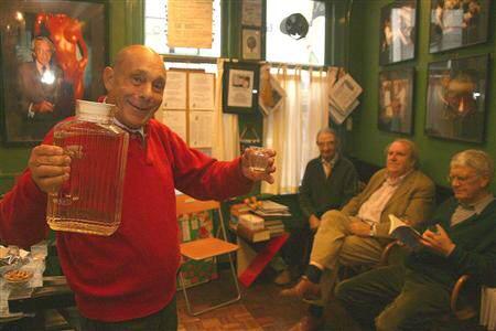 Pasqualisten vieren feestje met Figaro Pasquale