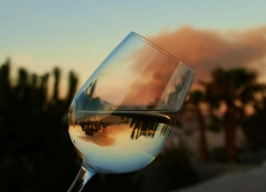 glass-reflection-photography