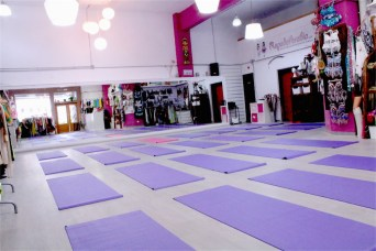 Yoga-Pilates-Workshop-Cursos-Clases-Sala-Efimeral8-low