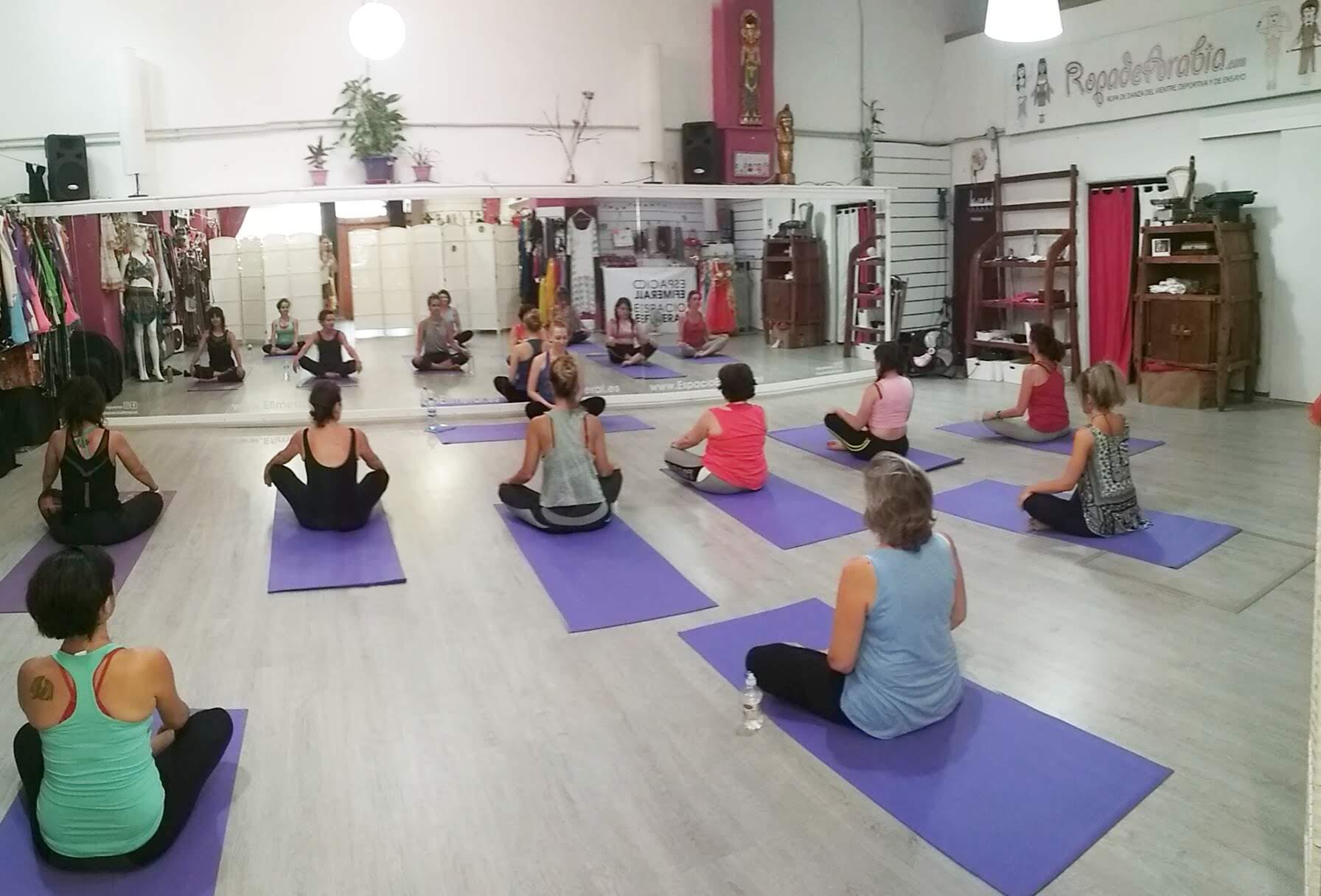 clases de yoga, pilates,
