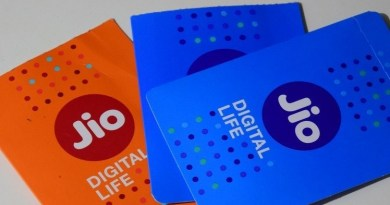 Reliance Jio Infocomm has started rolling out its Jio Fiber (Fiber To The Home or FTTH) service in Mumbai, as per a report.