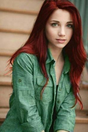 crvena kosa zelene oči