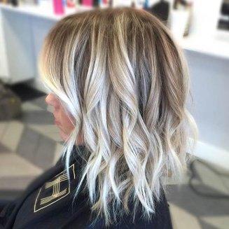 platinasti pramenovi na kosi