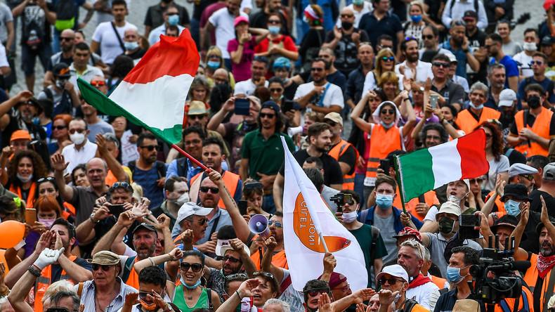 Anti-euro et anti-psychose du Covid-19 : le mouvement des Gilets oranges se développe en Italie