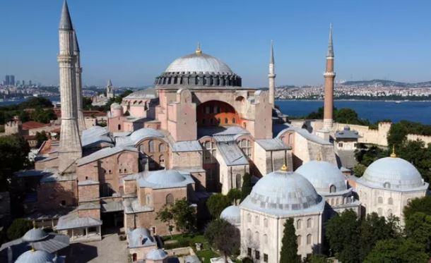 Conflit entre Ankara et Moscou autour de l'ex-basilique Sainte-Sophie