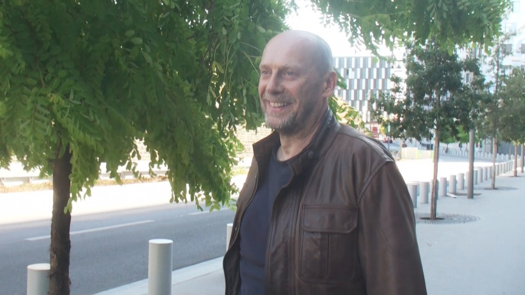 Alain Soral : la vidéo de sa sortie de garde à vue