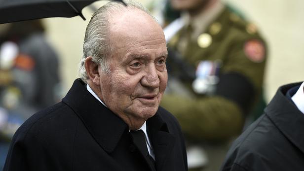 Espagne : visé par une enquête pour corruption, l'ancien roi Juan Carlos quitte le pays