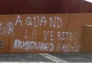 """""""Inqualifiable"""" : le Président assure que """"tout sera fait"""" pour poursuivre les auteurs de tags à Oradour"""