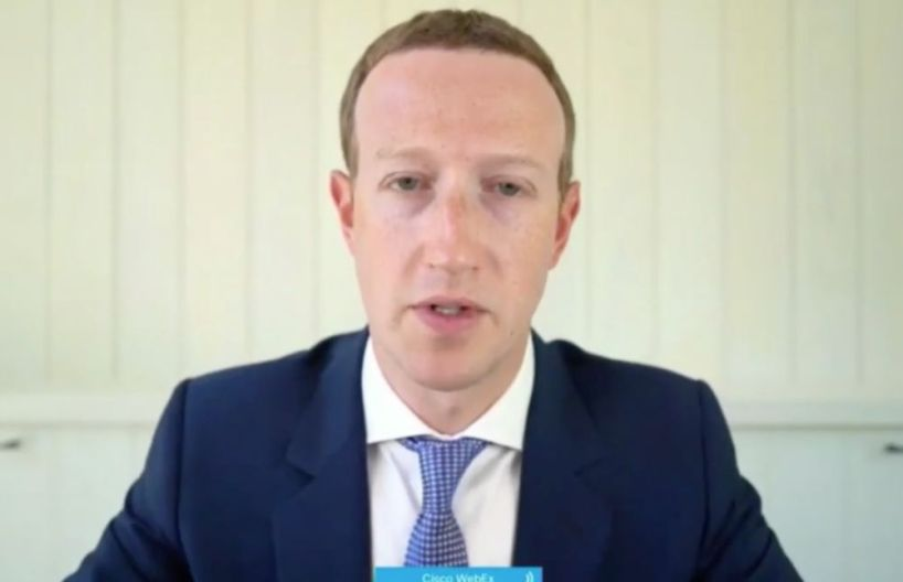Zuckerberg annonce avoir banni Trump de Facebook et Instagram pour une durée indéterminée