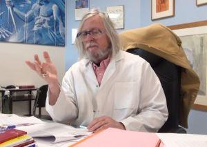 """Didier Raoult : """"On voit bien qu'il y a des gens qui font des infections après vaccination"""""""
