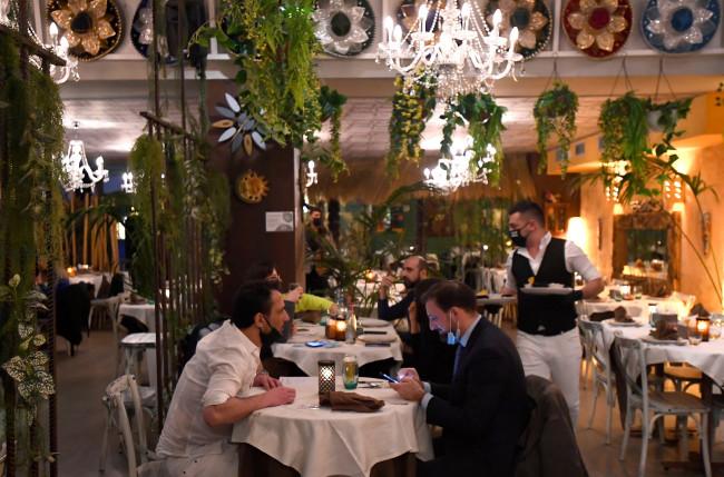 #Ioapro : des milliers de restaurateurs italiens excédés bravent les restrictions sanitaires