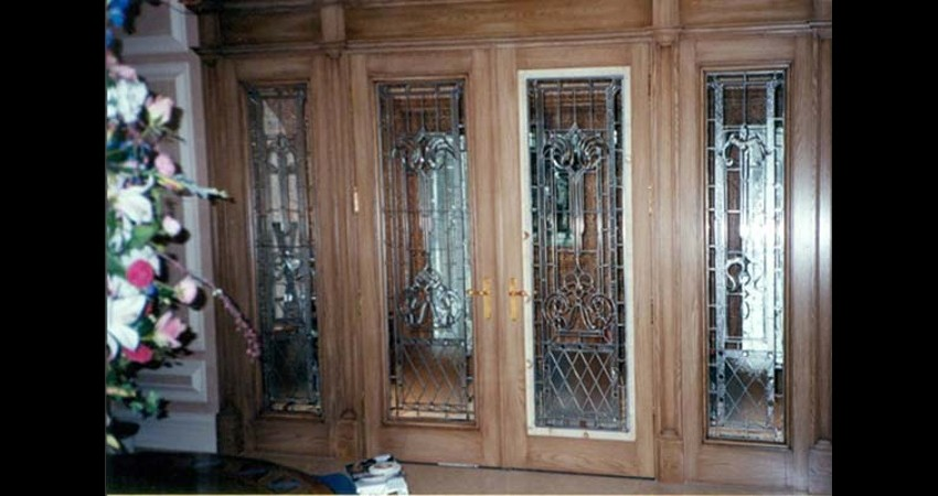 Private-residence-oakville-stained-glass-doors