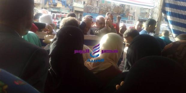 بالصور أقبال شعبى لليوم الاول للإستفتاء على الدستور |