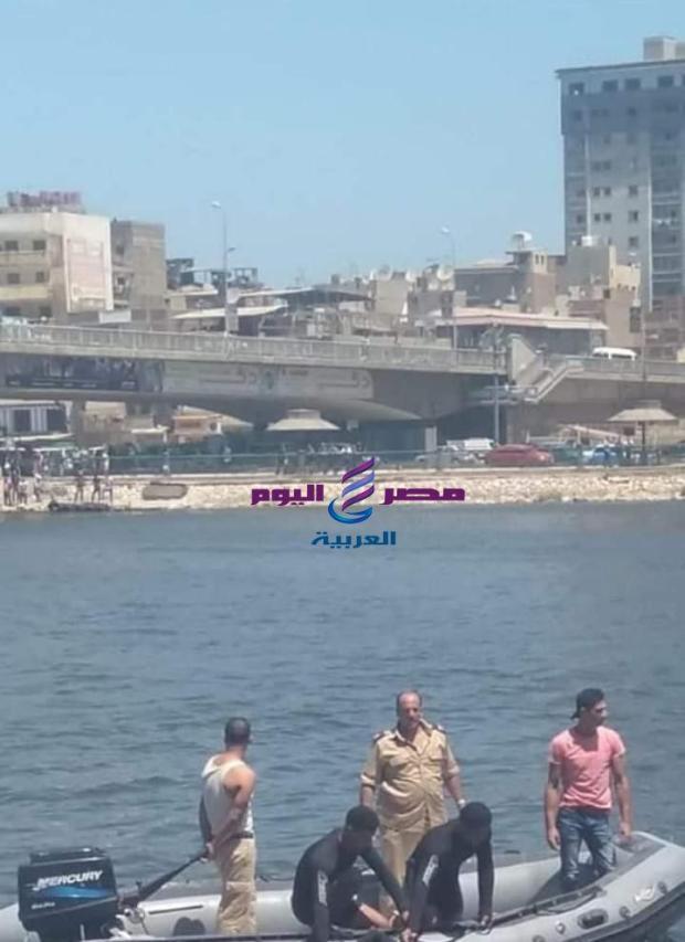 صيدلى شاب يلقى بنفسه فى النيل بدمياط  