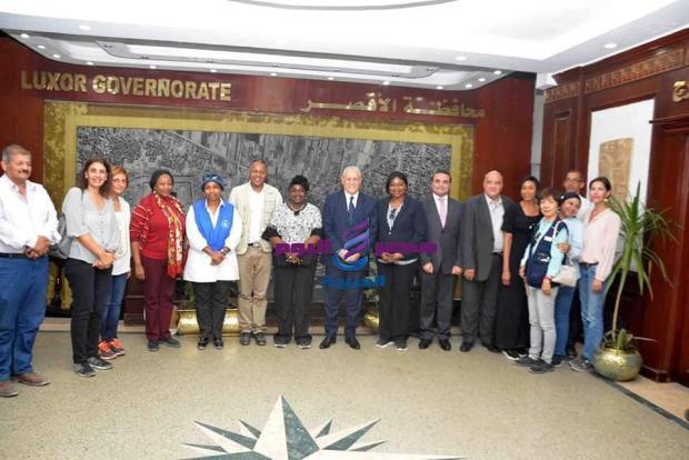 محافظ الأقصر يستقبل وفداً من أعضاء الاتحاد الإفريقى وقيادات برنامج الأغذية العالمى |