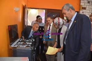 نائب محافظ الوادى الجديد تفتتح معرض منتجات وزارة الإنتاج الحربى |