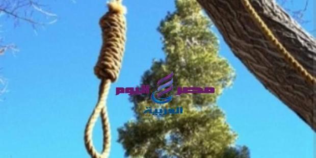 انتحار شاب شنقا في شجرة  