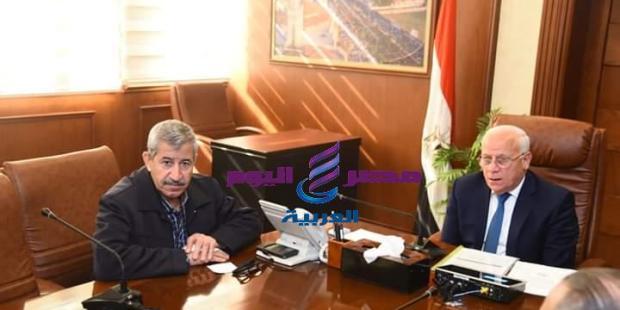 الغضبان يعقد اجتماعا بشأن إقامة توسعات بعدد من المدارس ببورسعيد  