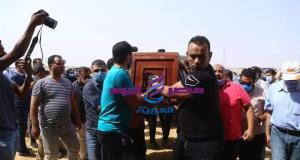 بمشاركة نجوم الفن تشييع جنازة والدة الفنان حمادة هلال بمقابر الرقابة الإدارية بالعين السخنة   جنازة
