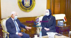 وزيرة التجارة والصناعة تبحث مع محافظ بورسعيد سبل تعزيز حركة الاستثمار الصناعي بالمحافظة | وزيرة التجارة