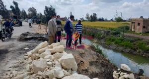 نائب رئيس المدينة لشؤن القرى يتفقد أعمال التاكسى بسنهور المدينة