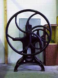鉛字印刷機。