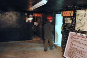 坑道有入場人數限制,有興趣要早到 book 位。