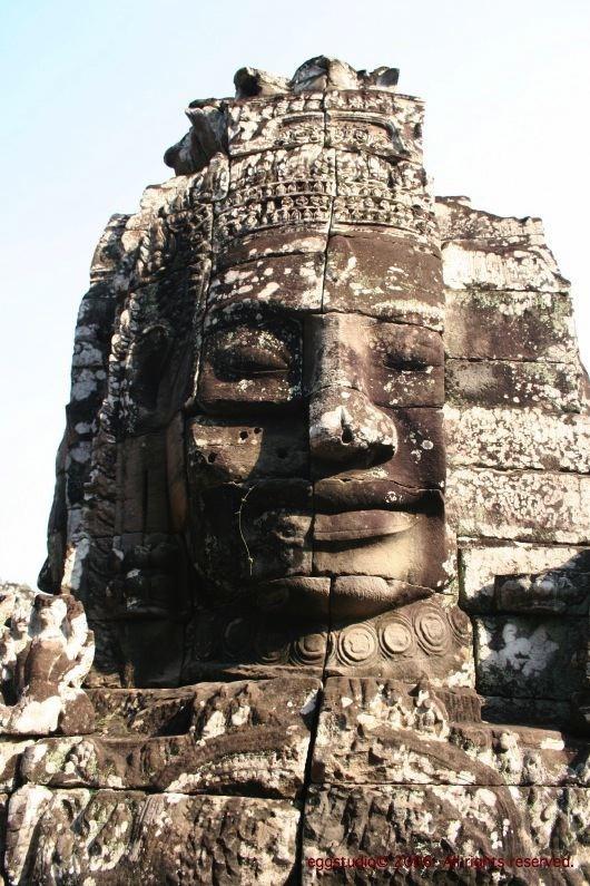 Bayon Temple 著名人面石像。