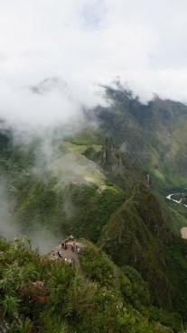 從山頂望向馬丘比丘,下方是「明信片位置」。