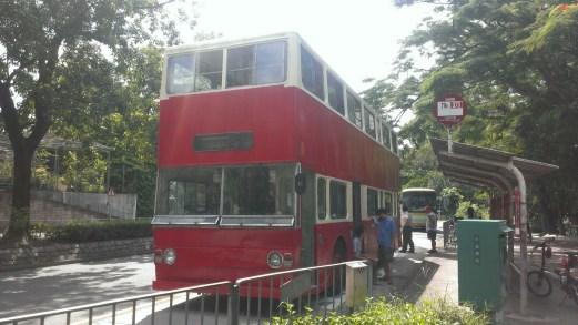 「紅燈籠」1976 年巴士。