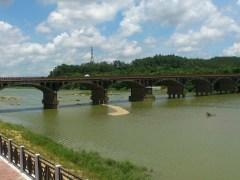 恩平往陽江之間的合山鎮石橋。