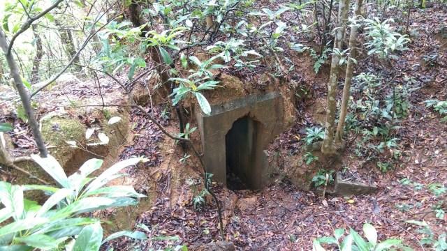 日軍碉堡有幾個機槍堡、戰壕、水井,保存良好,值得一看,