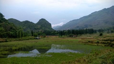 與桂林同樣是喀斯特地貌,陽山一帶山水不多,地形連綿、田野處處,又有另一番風味。
