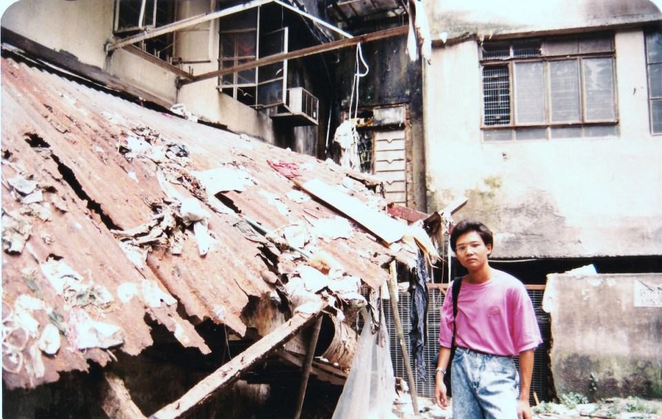 到此一遊相 -- 中學時代我,穿着風魔全球的石磨藍。