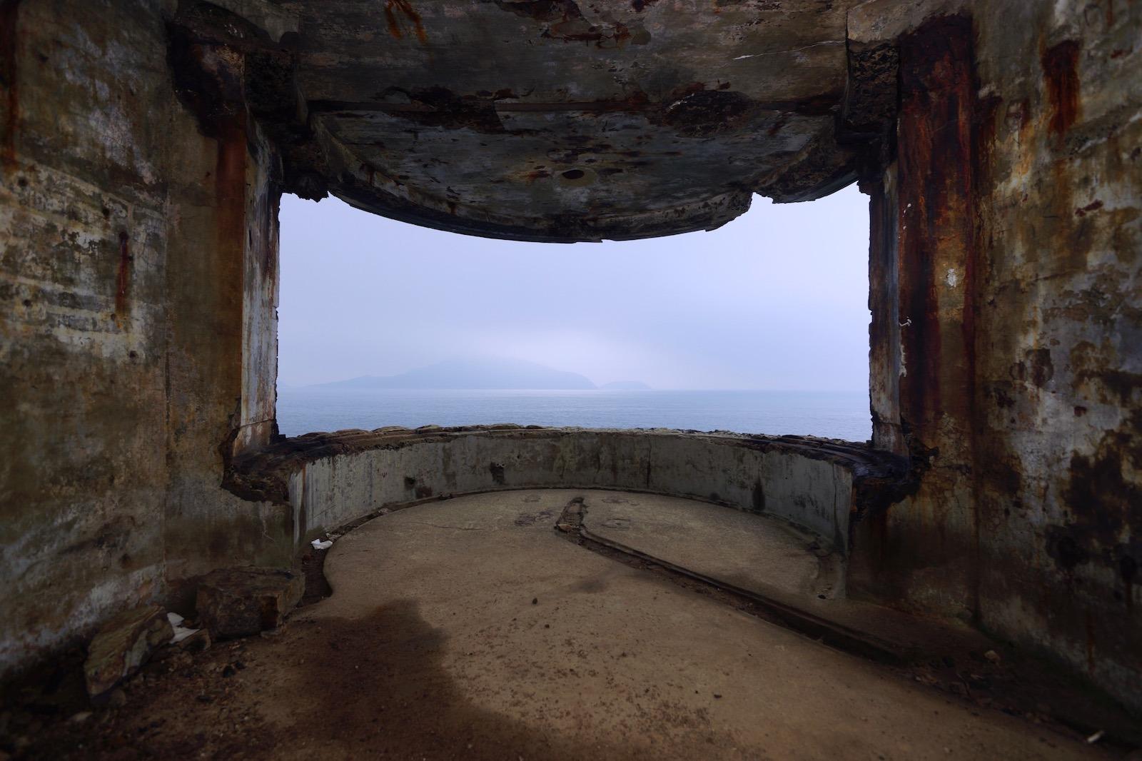 黑石角叢林發電機堡及探射燈台