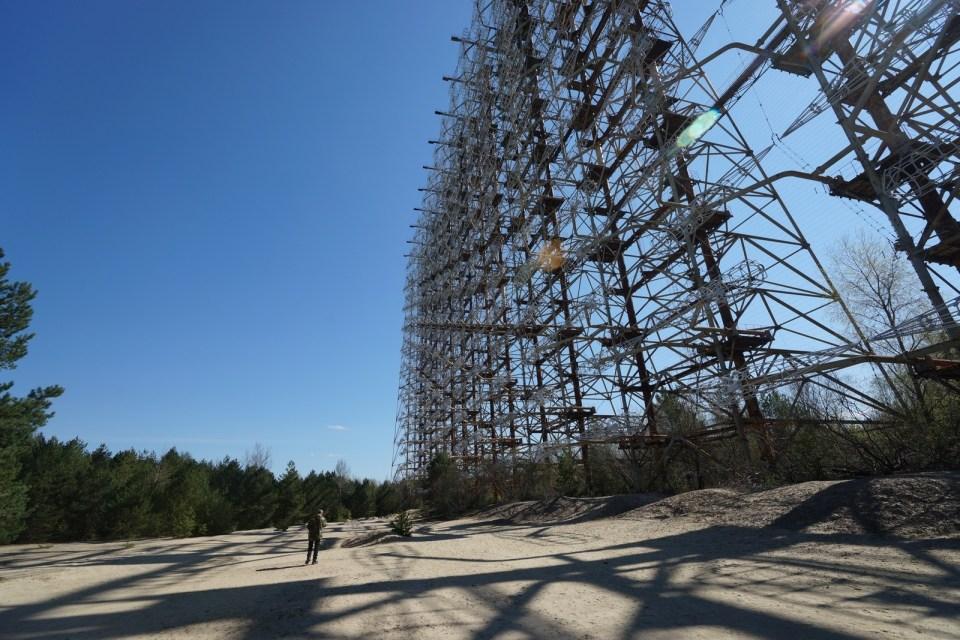 高 150 米、闊 500 米的「俄羅斯啄木鳥」。