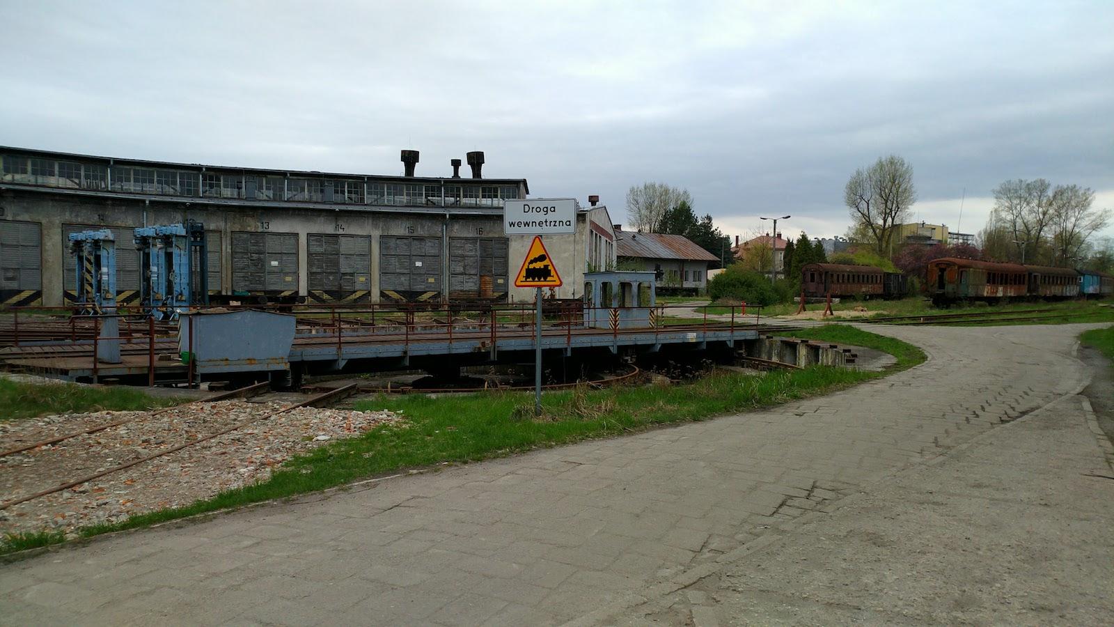 自由自在博物館(1)以為荒廢了的「火車墳場」Lokomotywownia Płaszów + HD video