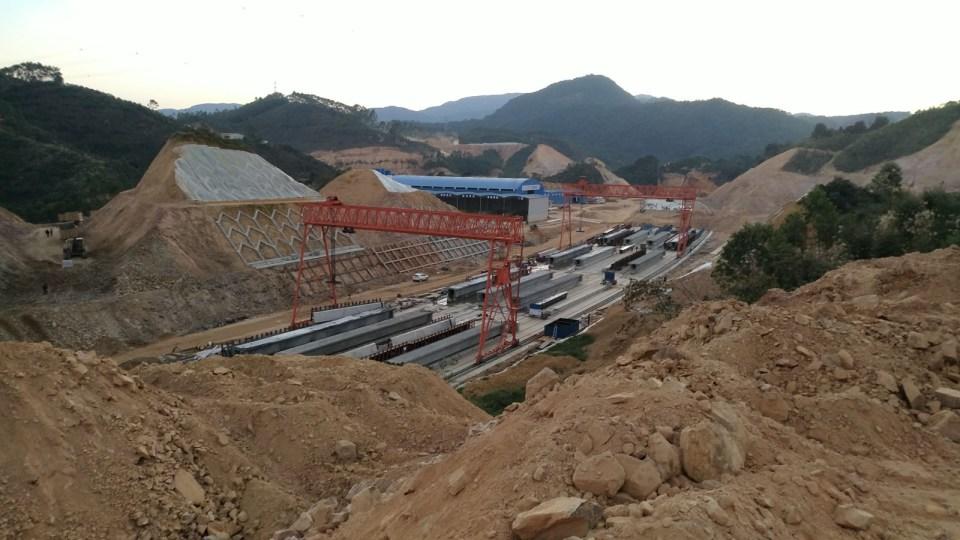 汕湛高速工地。