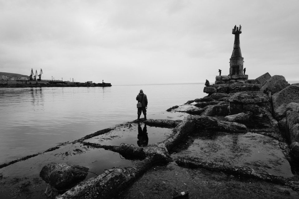 舊燈塔 — Soldatam Otechestva Rossiyskogo Ot Blagodarnykh Zhiteley Goroda Kholmska