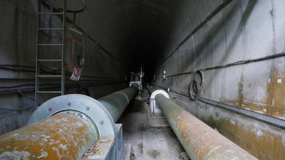 隧道內的煤氣管。