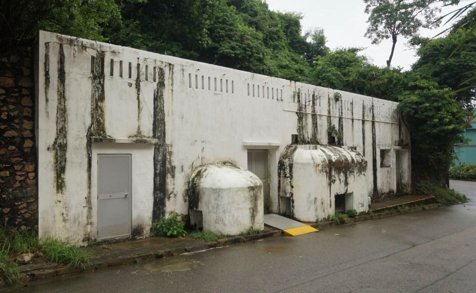 今天發電機堡已成為對面醫院的倉庫。