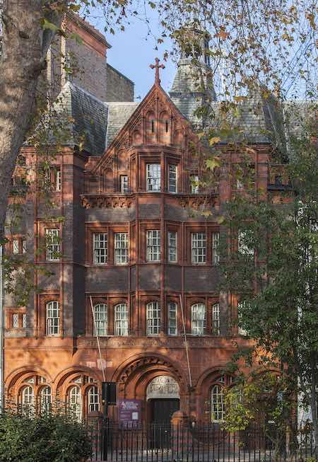 FACADE Eglise protestante Soho Londres Aston Webb