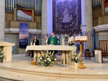 Le pére Pascal Boidin avec le pasteur Stéphane Desmarais