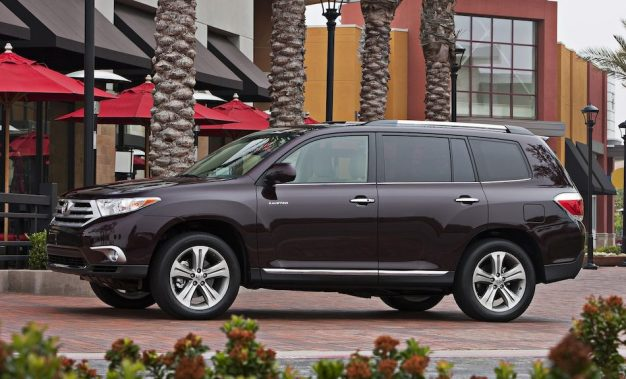 Toyota confirms to be launching an all-new soccer-mom-tastic 2014 Highlander at New York
