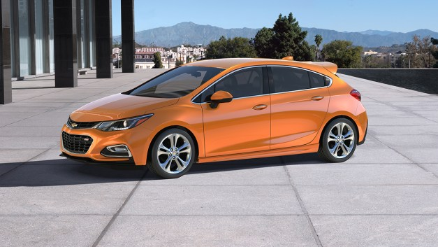The 2017 Chevrolet Cruze hatchback requires $22,190 to land a basic one in your driveway