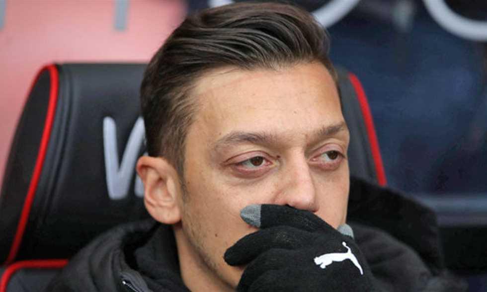 """إيمري يتحدث عن مستقبل أوزيل وضم لاعب برشلونة ورأيه في """"الجاسوس"""""""