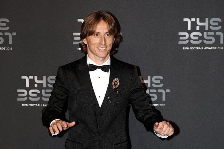 تقارير: ريال مدريد قدم عرضا لتمديد تعاقد مودريتش
