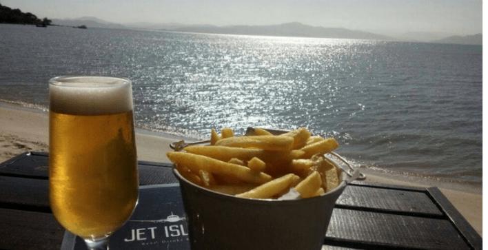Jet-Island-Beer-Drinks-Foods-Foto-divulgação Title category