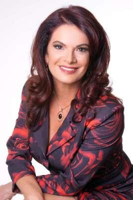 Lorena-Nolasco-DIVULGAÇÃO-267x400 Title category