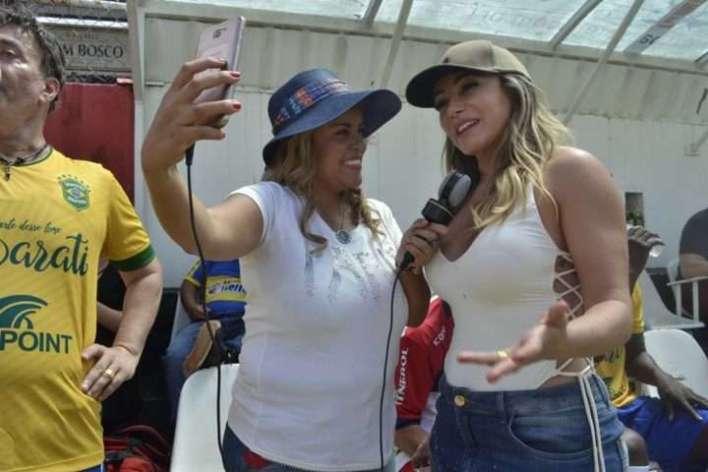 Viviane-Alves-e-Adriana-Restum-Im.001-e1521599015143 Title category